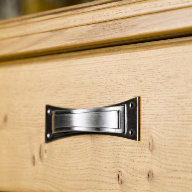 Pippy Oak handle closeup