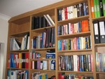 made to measure bookcase to ceiling in home office
