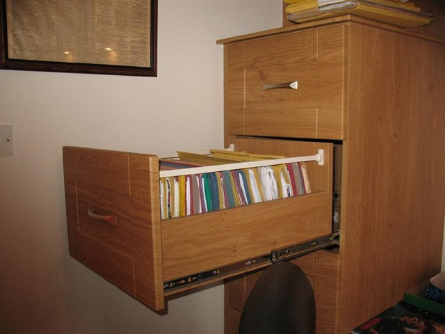 Pippy oak filing cabinet fully extending drawers